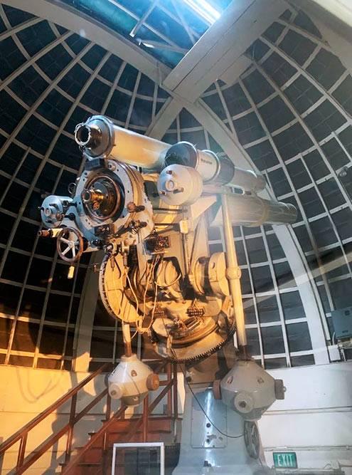 Телескоп Zeiss. По вечерам крыша над ним открывается