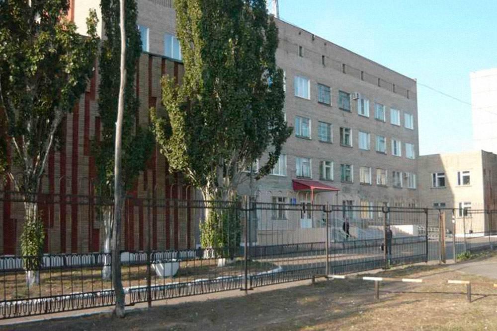 ГБ № 17, при которой работает омский хоспис. Раньше это был настоящий хоспис: отдельное здание построили немцы, потом его передали городу. Позже персонал сократили, хоспис переехал в другое здание и превратился в паллиативное отделение