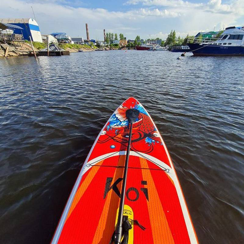 Спуск на воду расположен в 100метрах от моего дома, поэтому я очень часто хожу на сапе по рекам и каналам Петербурга