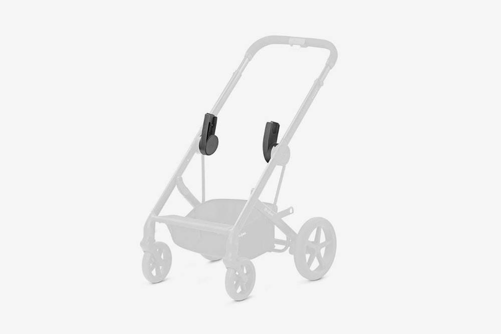 Чтобы не покупать коляску «3 в 1», можно купить специальные адаптеры. Они позволяют поставить автолюльку на шасси, вот только придется подбирать адаптеры под модель коляски и автолюльки. Фото: «Озон»