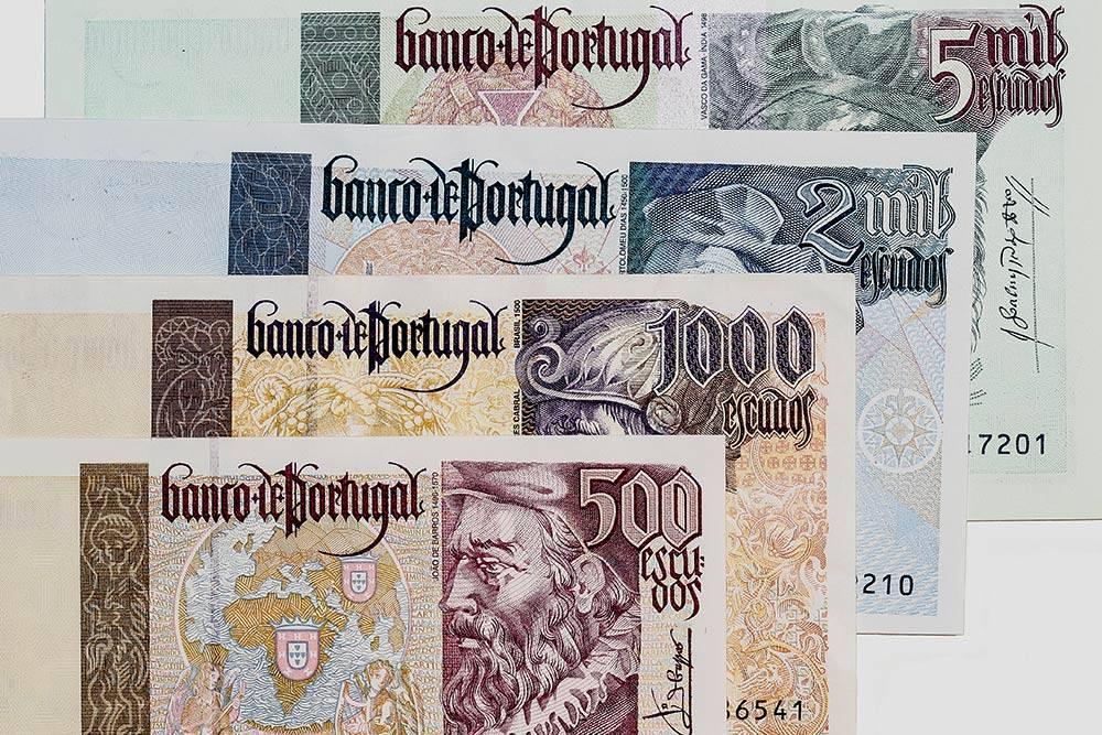 Так выглядели португальские деньги до перехода на евро. Источник: Mattias Lindberg / Shutterstock