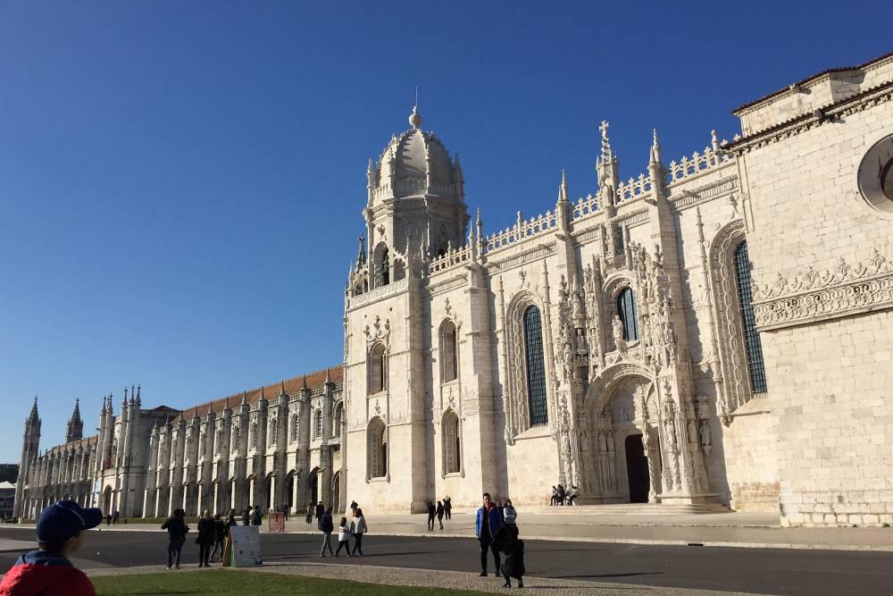 Жеронимуш был в нашей обязательной программе достопримечательностей Лиссабона. Он красив даже на картинках, а воочию просто дух захватывает