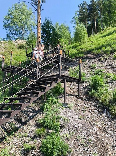 В 2021году на Манской петле установили лестницы