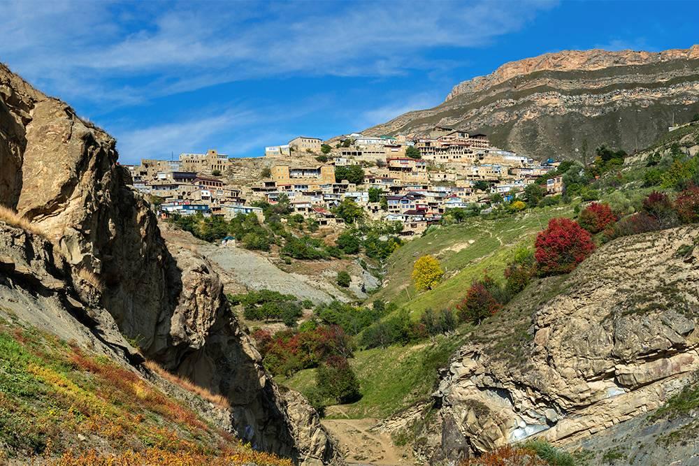В Чох туристы заезжают реже, чем в соседнее село Гуниб, поэтому здесь намного спокойнее. Источник: Anzhela Grinchenkova / Shutterstock