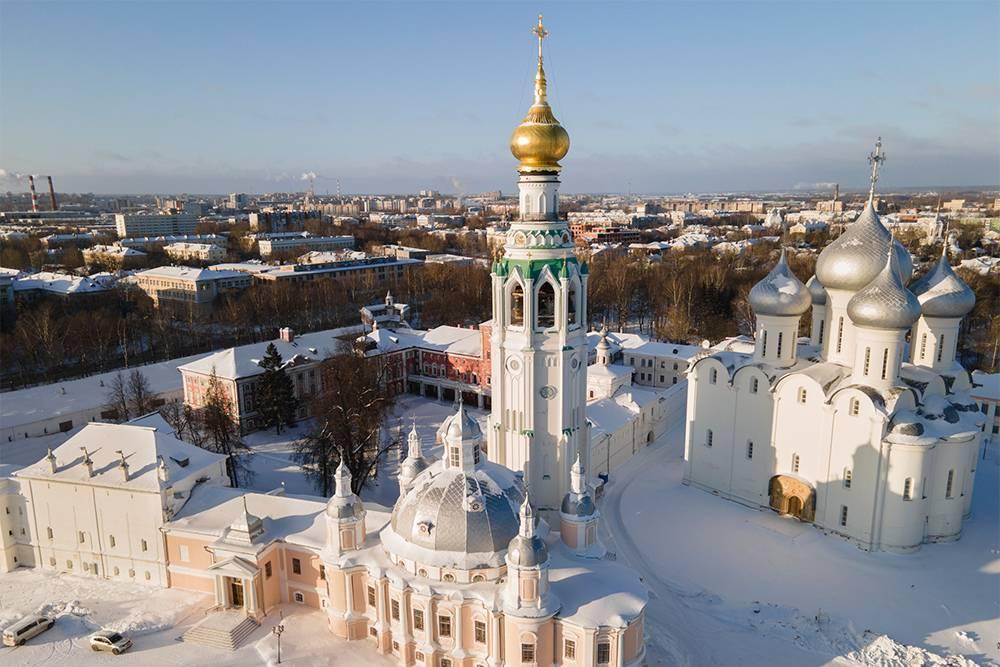 Мне очень понравилось, как празднично выглядит кремль в солнечный зимний день
