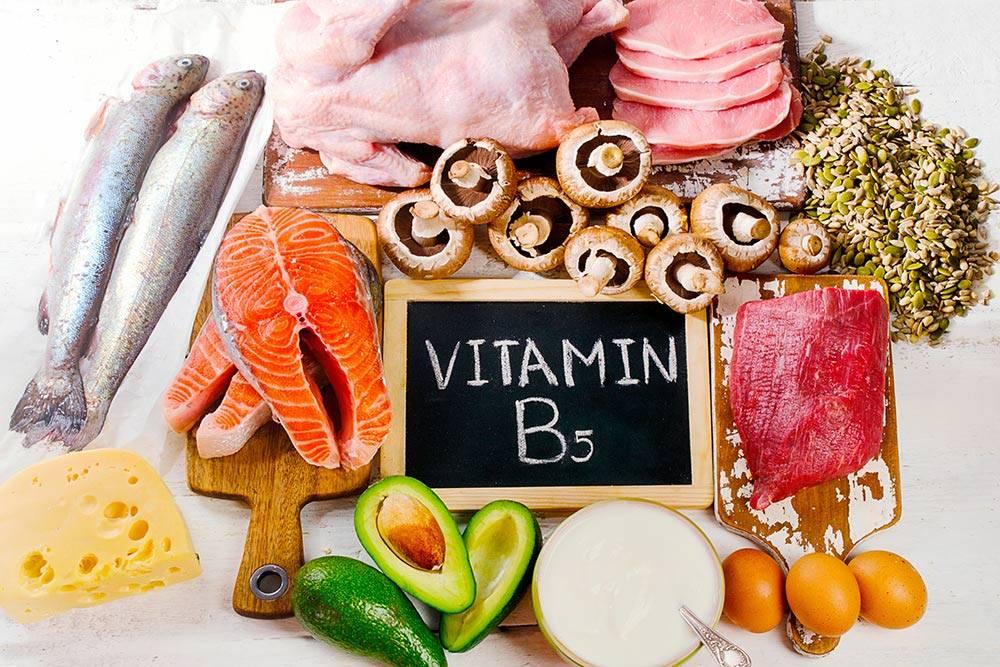 Бутерброд с малосольной семгой и авокадо — отличный источник витаминаВ5