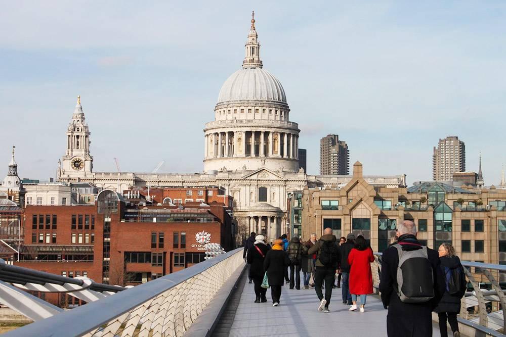 Вид на собор Святого Павла с моста «Миллениум»