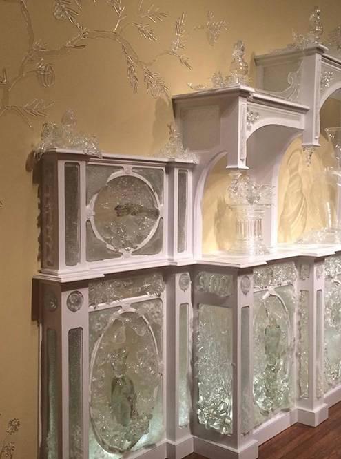 Экспонат из стекла