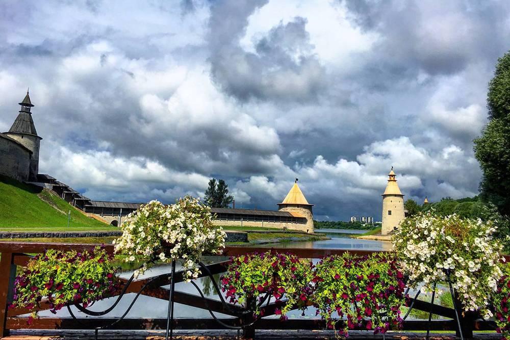 Башни Плоская и Высокая, которые расположены на территории кремля