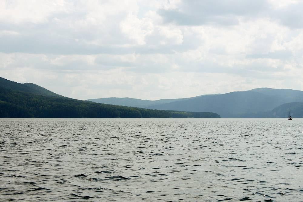 Вид на Красноярское море с катера