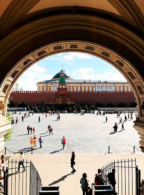 На Красной площади брусчатка — надевайте удобные кроссовки