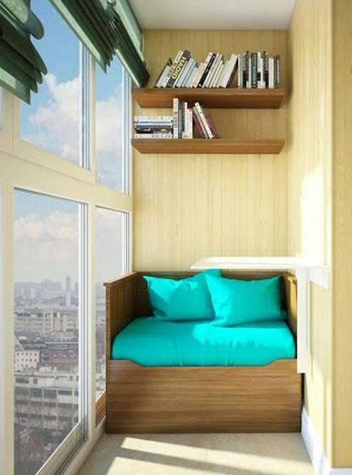 Идею такого дивана на балконе я нашла в «Пинтересте». Фото: «Пинтерест»