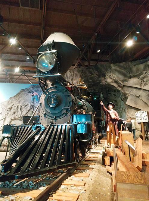Мы были в восторге от музея истории американских железных дорог. В экспозиции есть локомотивы 19 века. Билет для взрослого стоит 12$ (768<span class=ruble>Р</span>)