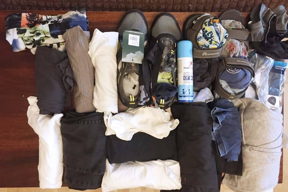 Вещи, которые мы подготовили к укладке в чемодан