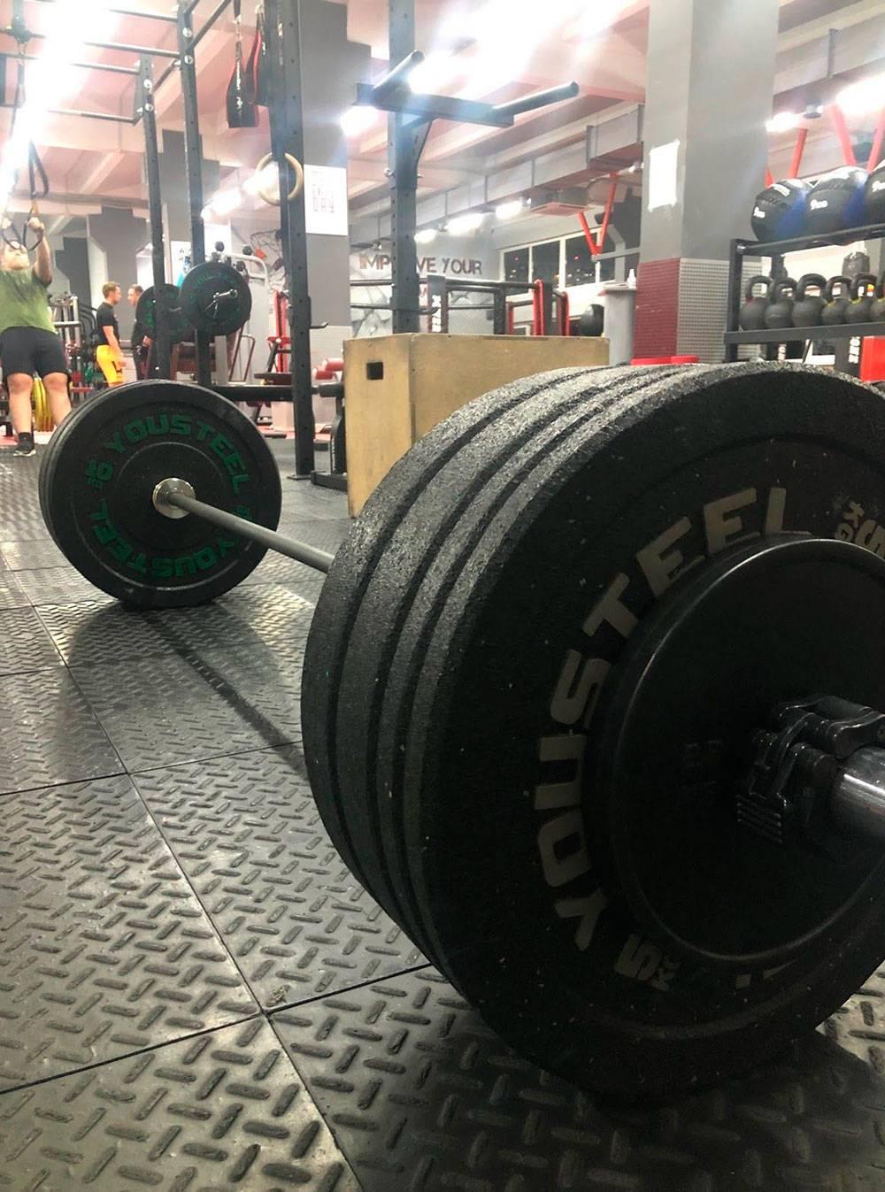 Рабочие веса: становая тяга 80 кг и фронтальный присед 60 кг