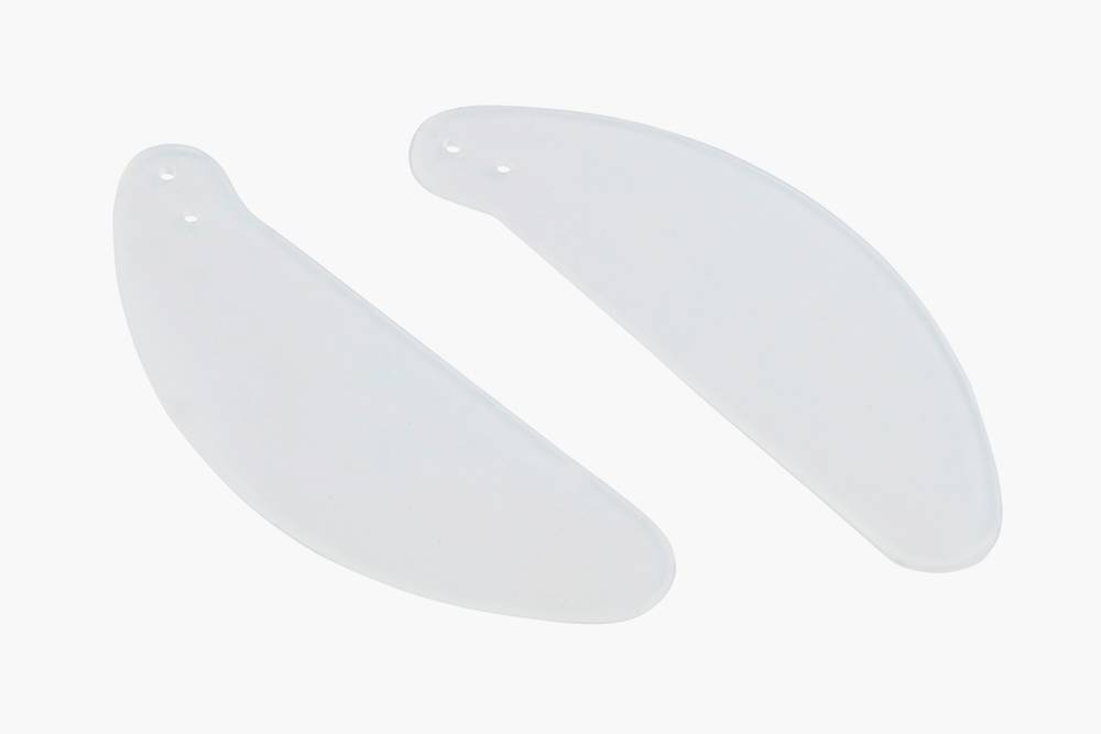 Так выглядят силиконовые сплиты, удерживающие перегородку носа в нужном положении. Такие сплиты заполняют носовой проход и мешают проходить воздуху, но есть и те, в которых предусмотрена трубка длядыхания. Источник: «Медэстет»