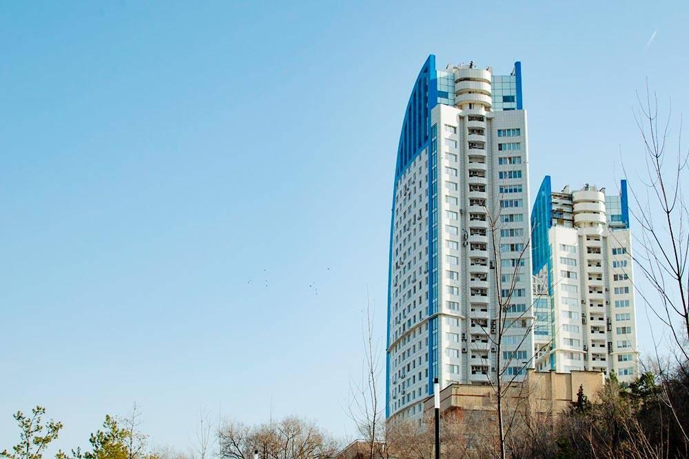 Жилой комплекс «Волжские паруса» в Ворошиловском районе: однокомнатные квартиры безотделки вдомах высотой 28 и 32этажа свидом наВолгу стоят от4млн рублей