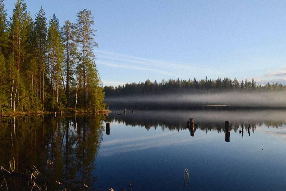 Дым от походной бани над рекой Семчей, одной из моих любимых рек в Карелии