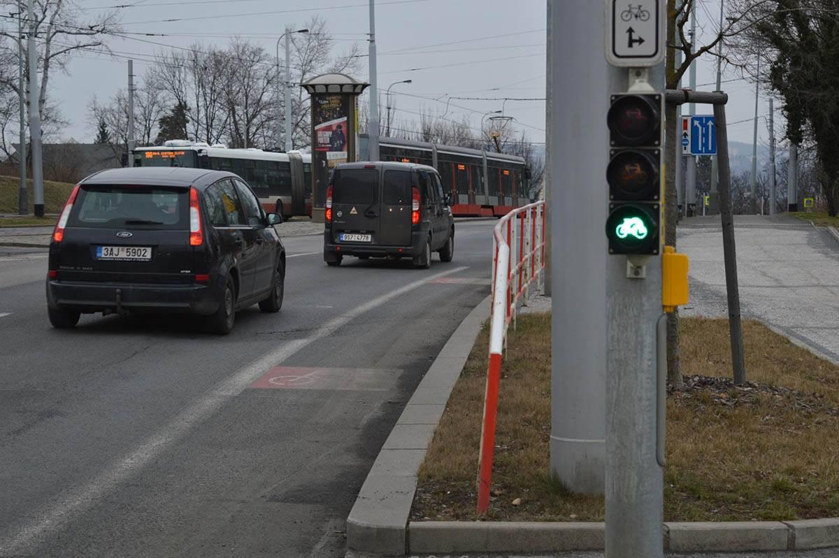 Светофор и полоса для велосипедов