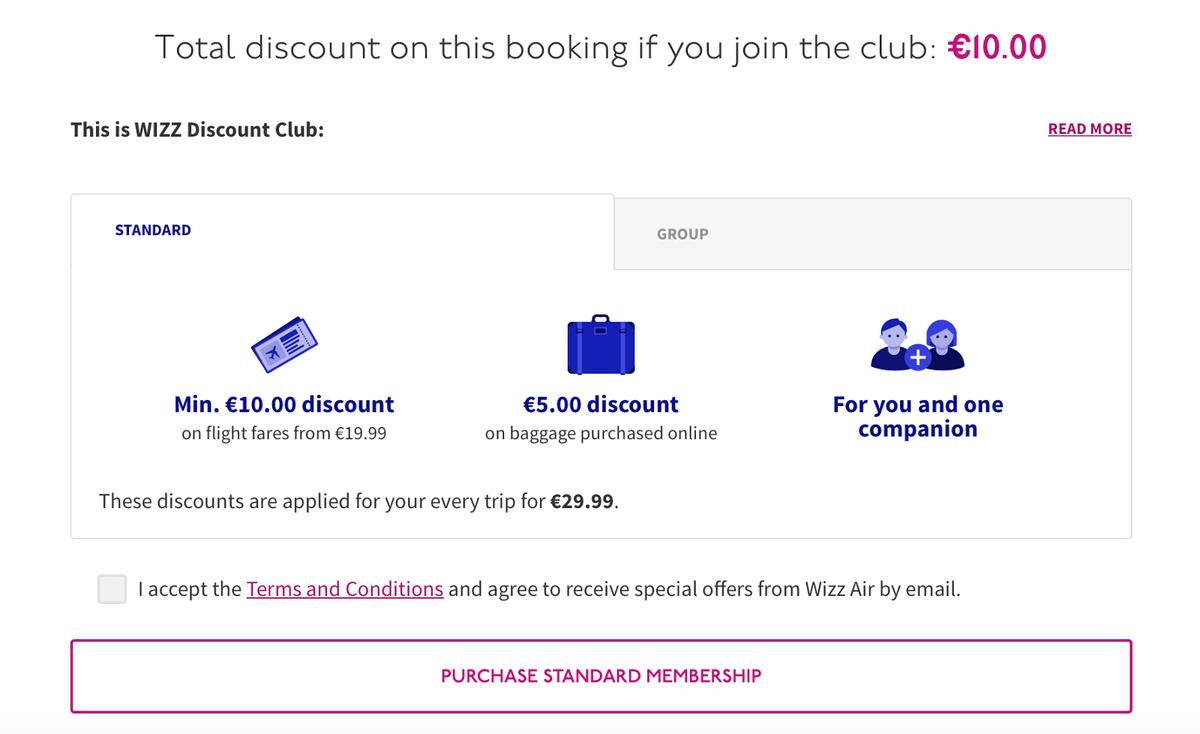«Визз-эйр» маскирует платное членство в клубе под покупку билета. Настоящая кнопка покупки спрятана ниже