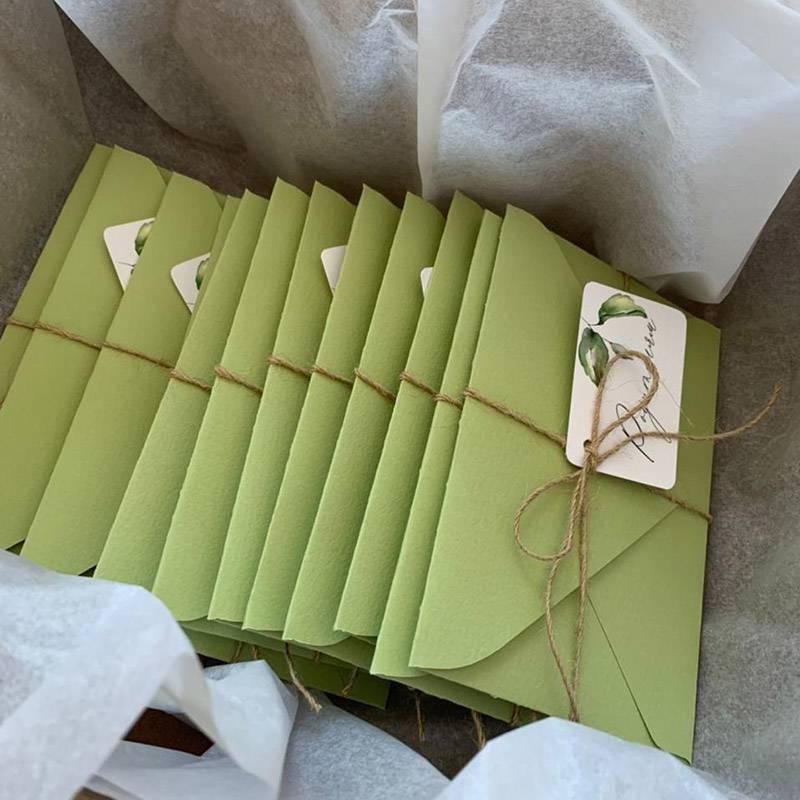 Приглашения на свадьбу мы заказали у девушки из Набережных Челнов через «Инстаграм»