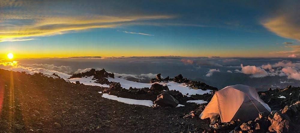 Ночевка на высоте 4700метров на Эльбрусе