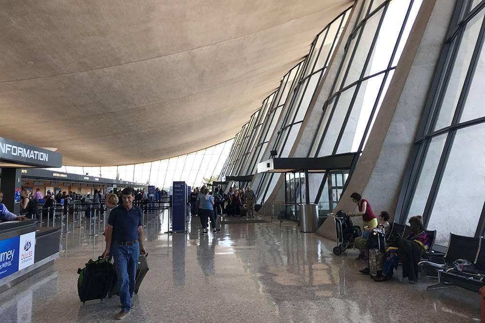 Аэропорт имени Даллеса в Вашингтоне