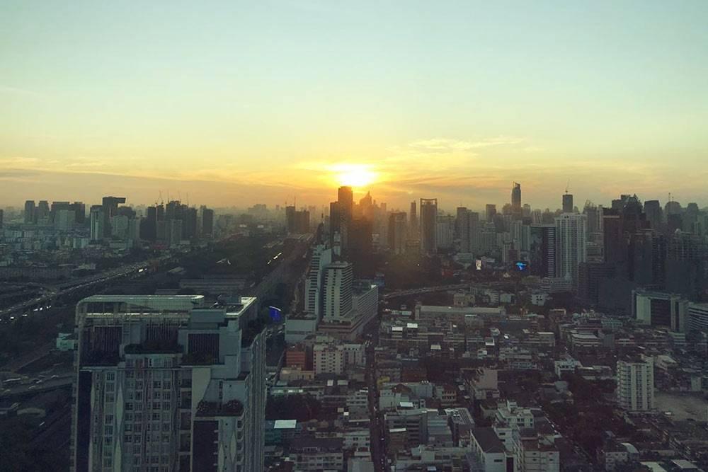 Панорама Бангкока из окна Baiyoke Sky Hotel