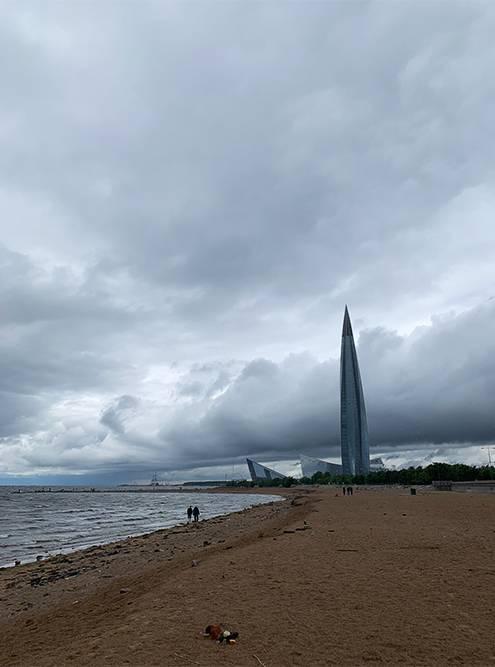 «Лахта-центр» пока достраивают. В башне будут офисы, магазины и рестораны, а также штаб-квартира «Газпрома»