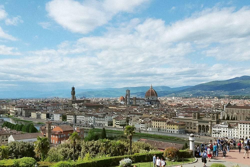 Самая знаменитая обзорная площадка Флоренции — площадь Микеланджело