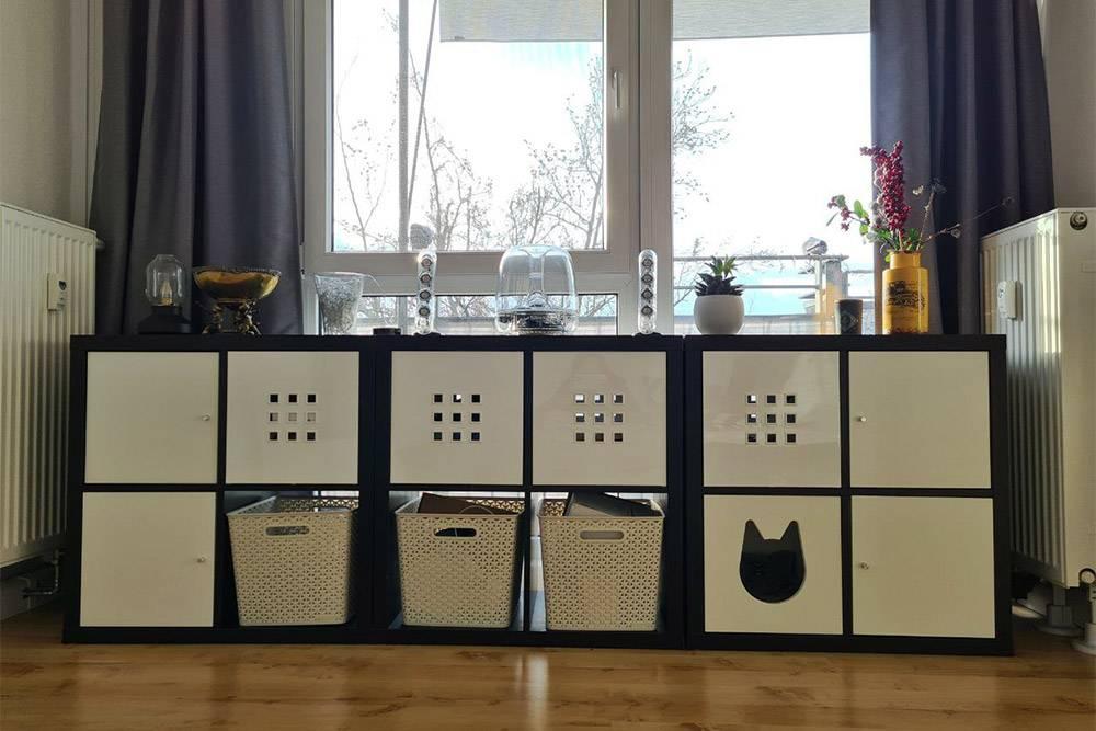 Вставил четыре шкафчика по краям и один кошачий. Еще заменим эти позорные корзины — и будет вообще ок