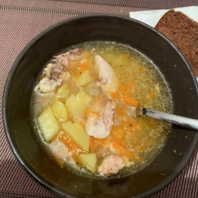 Как сказал мой коллега, суп получился «нажористый». Я ела этот суп три дня, и он не успел мне надоесть