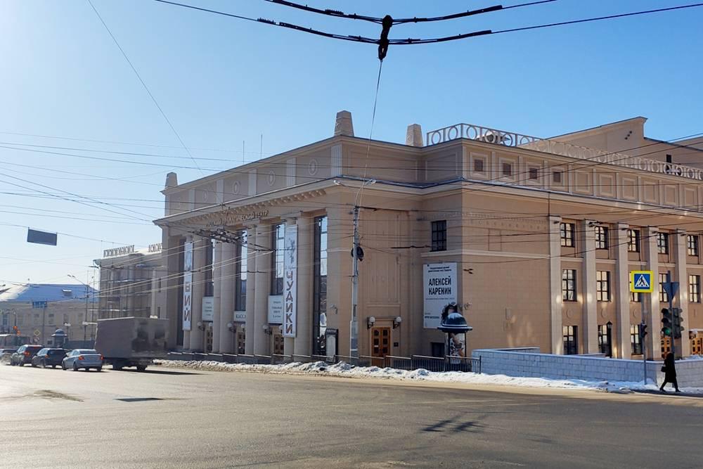 В репертуаре Русского драматического театра 30 спектаклей