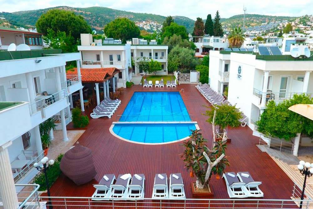 В таком отеле мы жили целый месяц. Кроме нас гостей почти не было. Фото: Booking.com