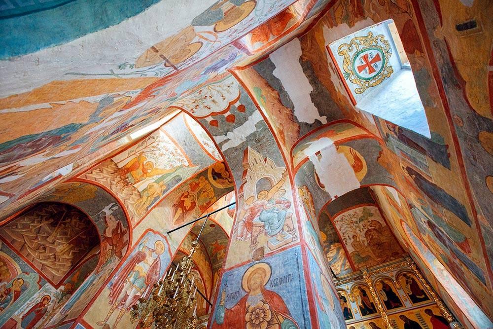 Фрески Успенского собора. Источник: Balakate / Shutterstock