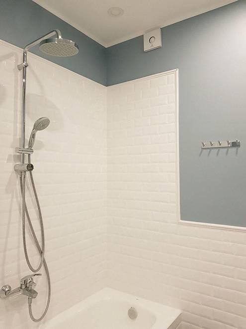 В ванной комнате — встроенный в подвесной потолок