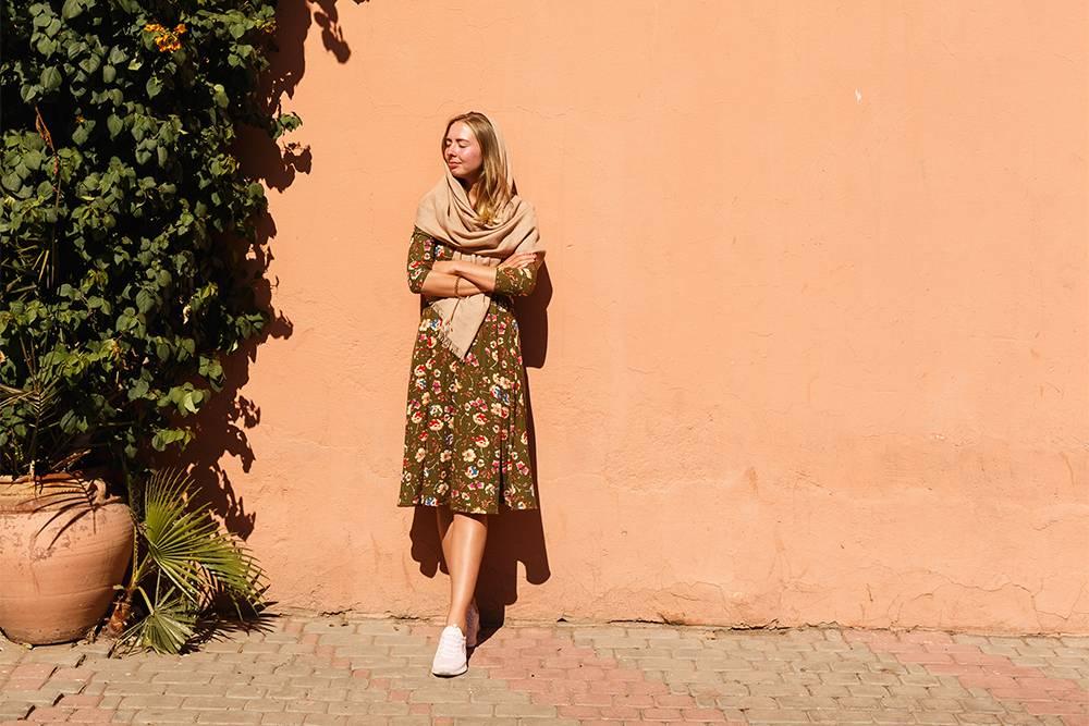 Я люблю ходить в Марракеше в платке. Выглядит аутентично, защищает от солнца и настойчивых глаз
