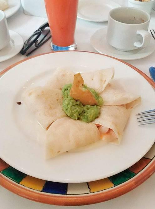 Тако с креветками в дорогом ресторане на завтрак — 120 песо