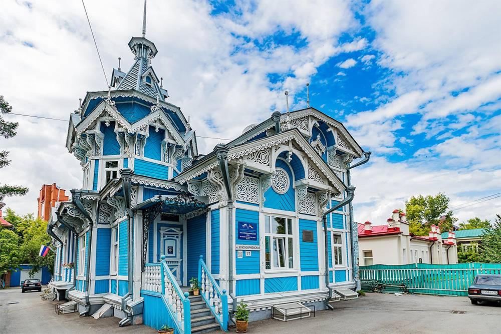 Русско-немецкий центр, бывший купеческий дом на улице Красноармейской,71