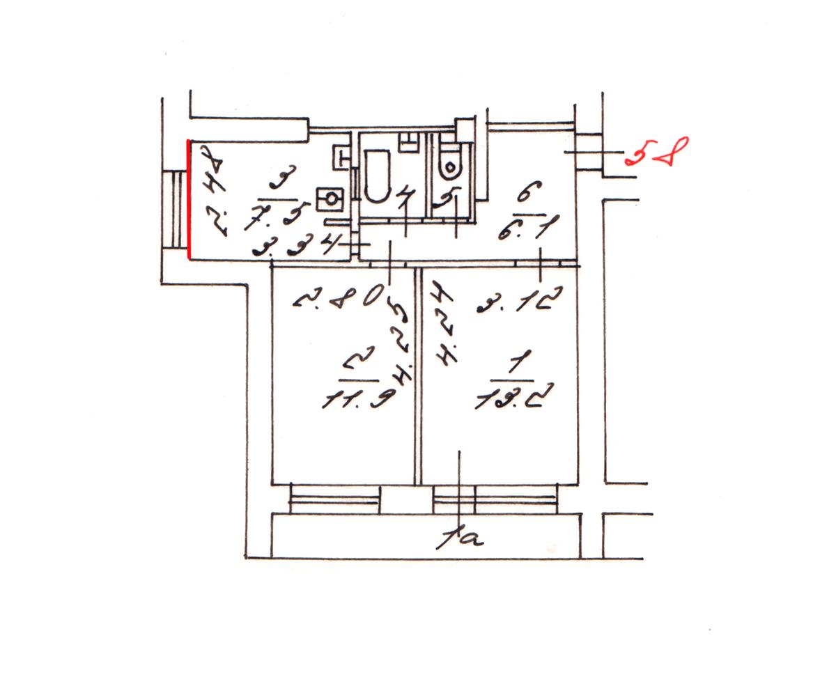 Я верил в непогрешимость плана БТИ, но стена, которую я выделил красным, оказалась меньше, а окно в реальности расположено ближе к середине стены, чем на плане. К томуже на плане БТИ не указаны размеры каждой из стен