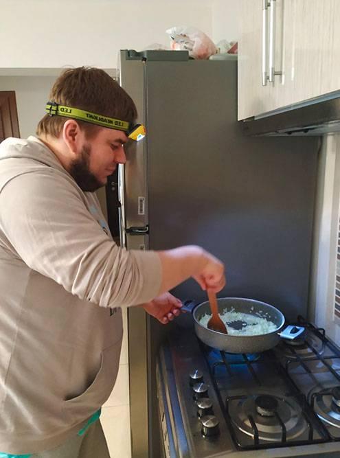 Кирилл готовит булгур