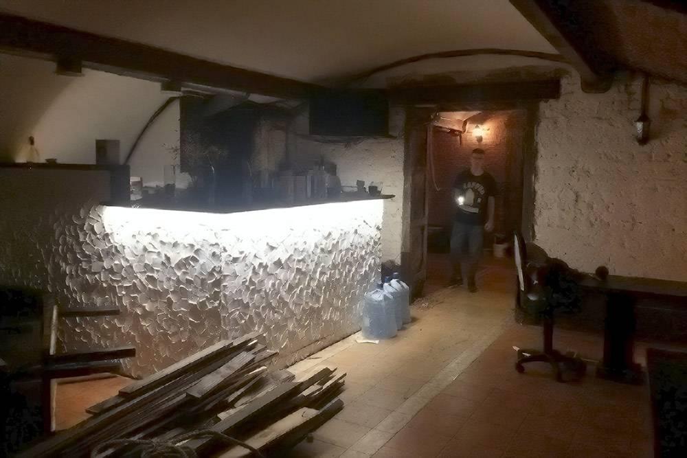 В процессе ремонта мы снимали со стен старые доски