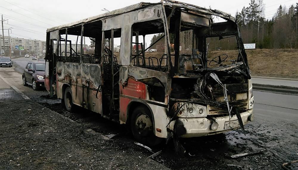 Загоревшийся автобус в Петрозаводске не редкость. Источник: «Петрозаводск говорит»