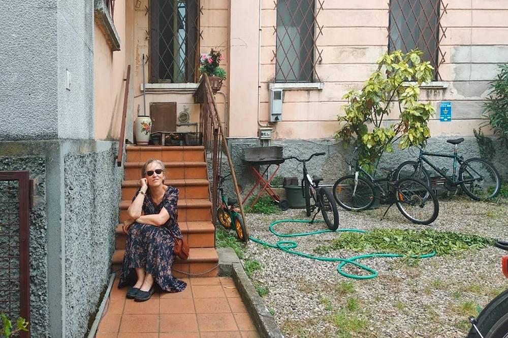 У квартиры в Вероне был отдельный вход и даже небольшой дворик. Велосипеды — длягостей, ими можно пользоваться