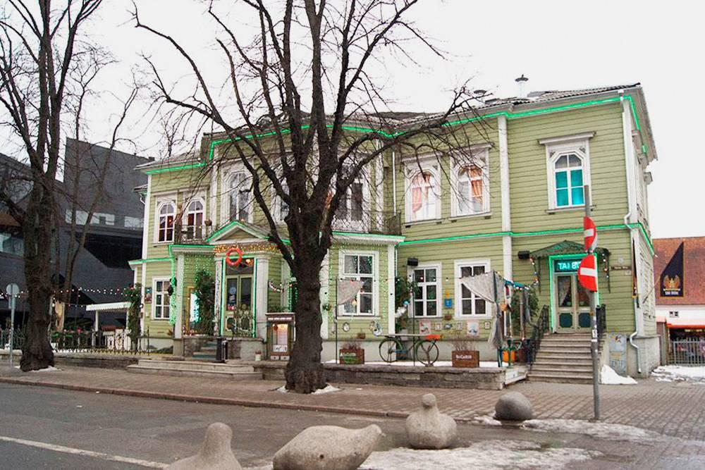 В Таллине до сихпор сохранились целые районы, застроенные деревянными домиками