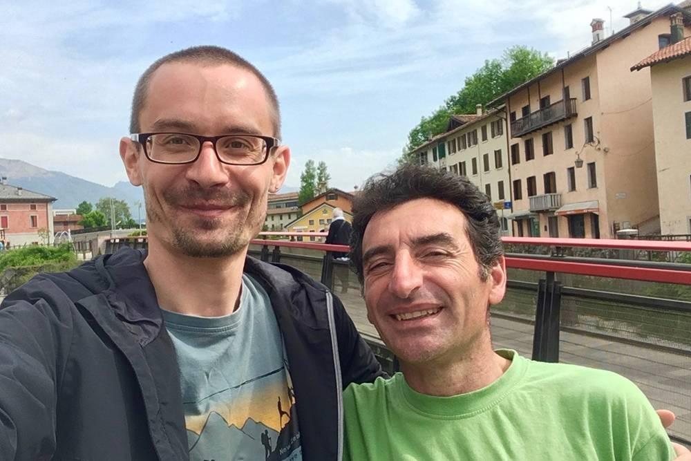 Я с другом Марио, он тоже переехал в Доломиты — с юга Италии
