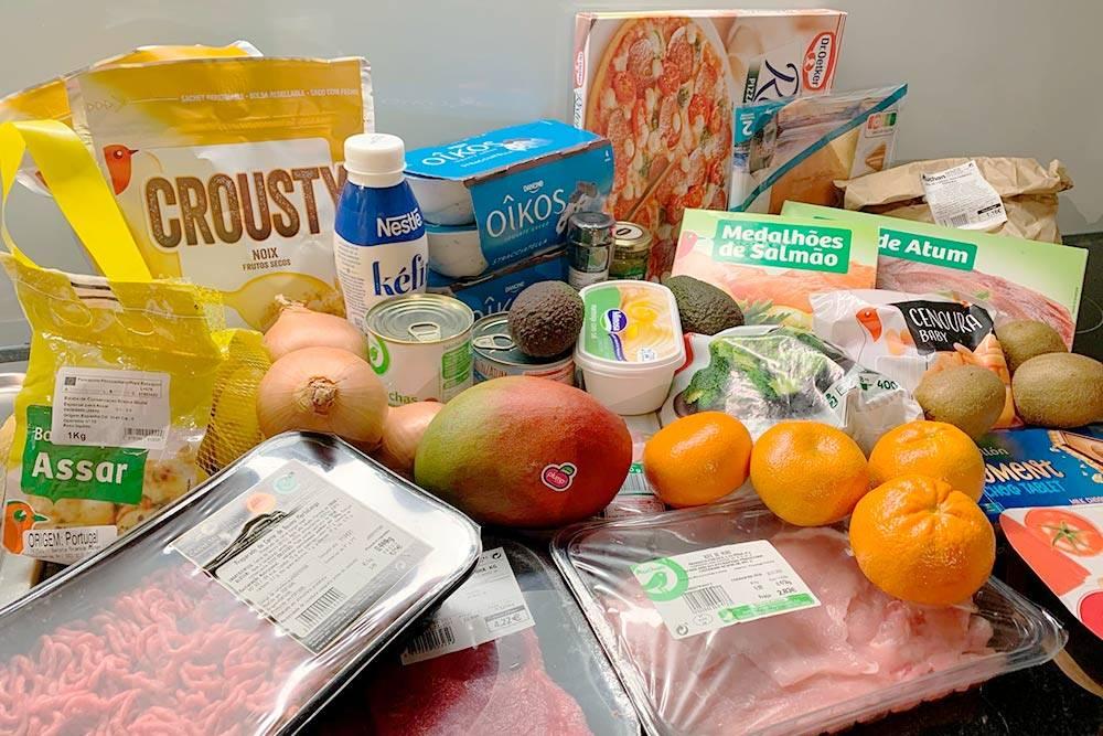 Сфотографировала наш заказ в «Ашане». В этот раз продукты на неделю обошлись в 62€ (5547<span class=ruble>Р</span>). Что-то еще докупим в магазине возле дома