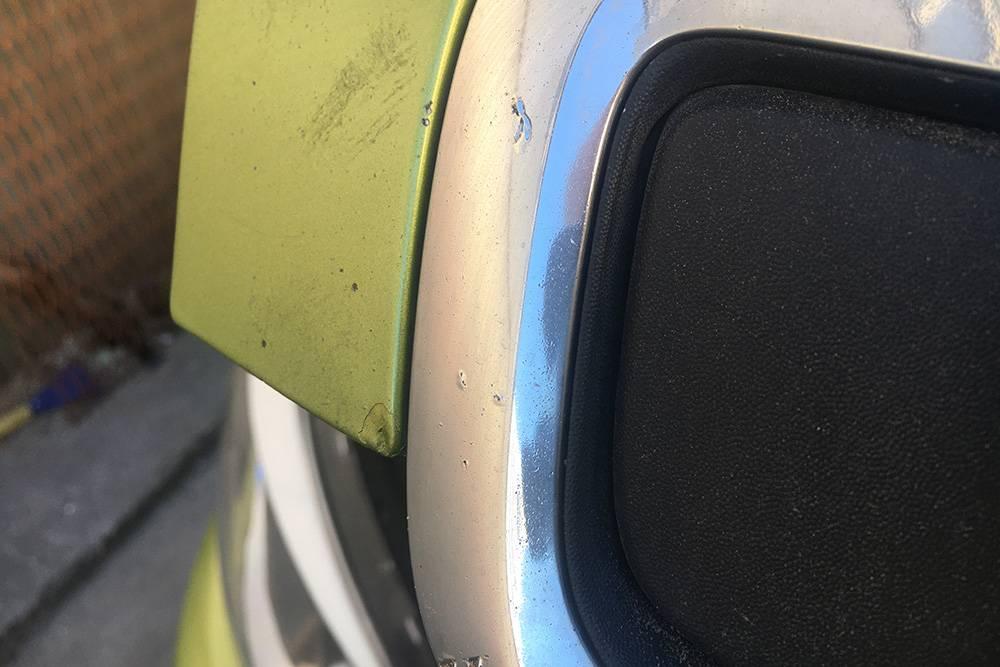 Решетка радиатора Киа Соул. На одометре 60 000км, а в реальности — не меньше 150 000км