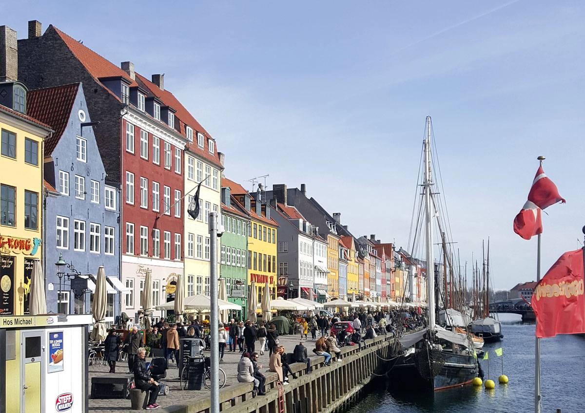 Как только появляется солнышко, датчане стремятся выйти на улицу