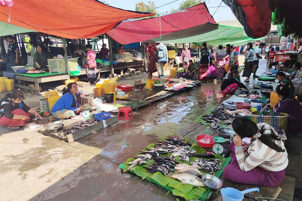 Рынок около Инле